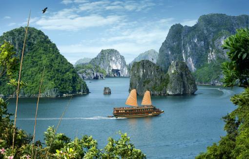 一泊二日:バッチャン陶磁器村とハロン湾のジャングル船に泊まる(Code 11)